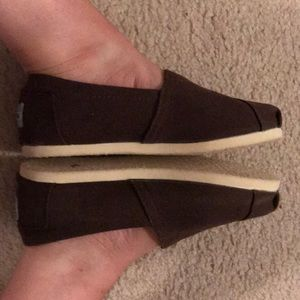 Brown Toms classic canvas slip-on shoes